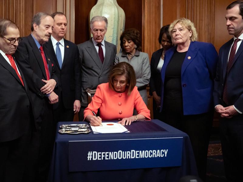 Палата представителей направила в Сенат США документы по импичменту Дональда Трампа