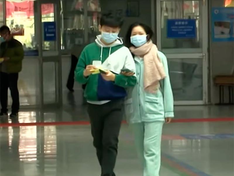 """Китайский коронавирус, от которого умерли уже 9 человек, добрался до США и назван угрозой для россиян"""" />"""
