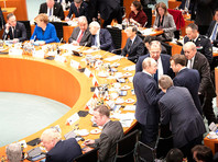 Участники берлинской конференции договорились урегулировать ситуацию в Ливии путем переговоров и отказались от поставок оружия