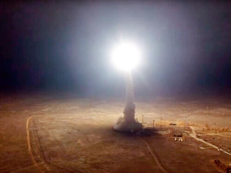 """Командование иранского Корпуса стражей исламской революции (КСИР) объявило, что для обстрела двух военных баз США в Ираке были применены баллистические ракеты дальнего радиуса действия """"Зульфикар"""" и Qiam"""