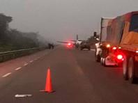 Самолет наркомафии сел на дорогу на юге Мексики, экипаж обстрелял военных и скрылся