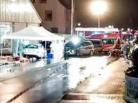 В городе Фолькмарзен (Германия, земля Гессен) автомобиль Mercedes въехал в толпу людей на карнавальном шествии. Это произошло в 14:30 по местному времени (16:30 мск). По предварительным данным, пострадали как минимум 15 человек, в том числе дети