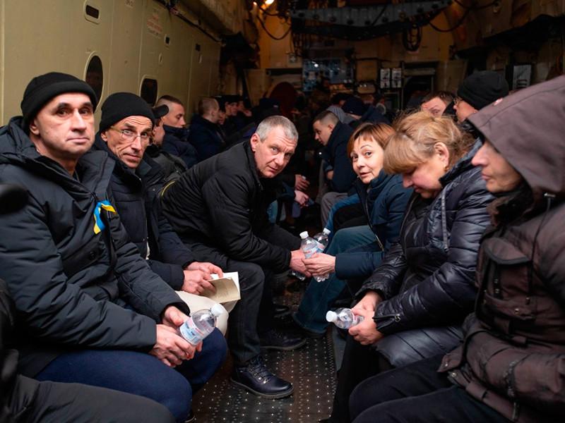 """Киев назвал сумму выплат для освобожденных из плена в Донбассе - по $4,1 тыс. каждому"""" />"""