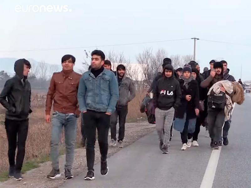 Тысячи беженцев воспользовались режимом открытых границ, объявленным президентом Турции Реджепом Тайипом Эрдоганом