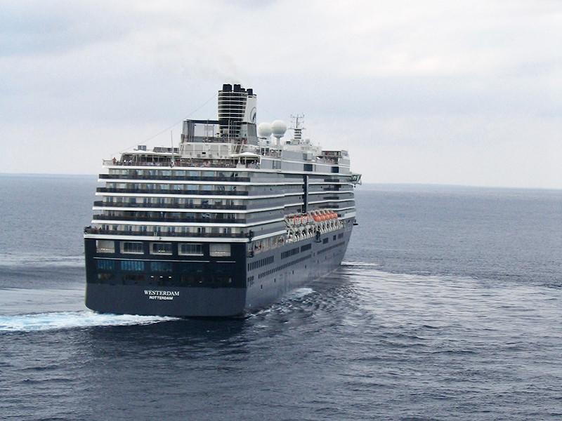 Япония запретила круизному лайнеру Westerdam заходить в порты страны из-за подозрения на коронавирус у пассажиров