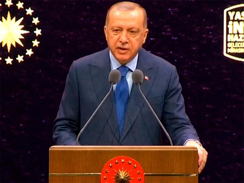 """Президент Турции Реджеп Тайип Эрдоган заявил, что сирийское правительство заплатит """"очень высокую цену"""" за действия против турецких сил. Он намерен 12 февраля объявить о новых шагах по Сирии, после того как турецкие военные попали под обстрел в Идлибе"""