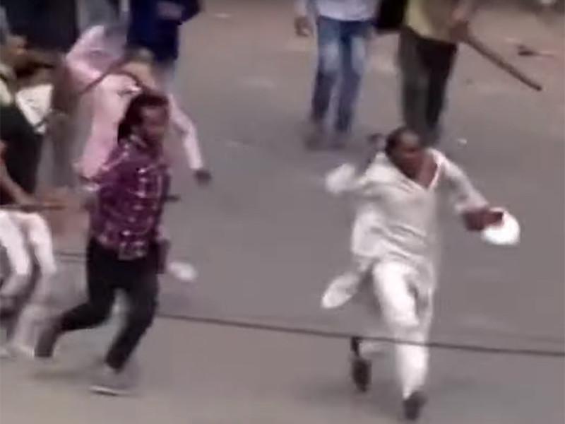 Более 30 человек погибли, свыше 200 пострадали в результате столкновений, вспыхнувших в столице Индии Нью-Дели из-за нового закона о гражданстве