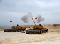 Ранее министерство сообщало, что в понедельник четыре турецких солдата погибли, еще девять военных получили ранения в результате обстрела их позиций в районе населенного пункта Саракиб в Идлибе