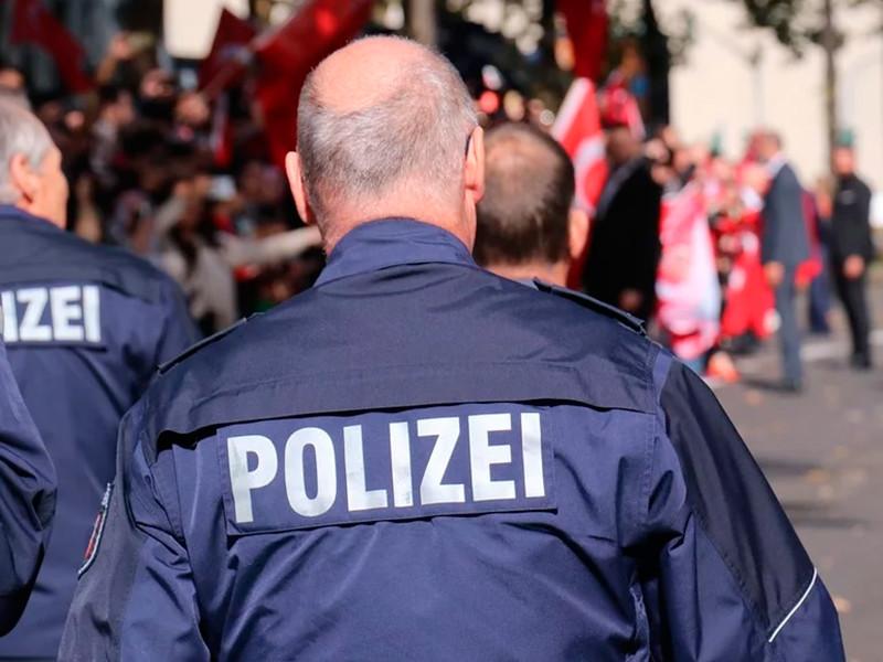 """В Германии Mercedes въехал в участников карнавального шествия: около 30 пострадавших (ВИДЕО, ФОТО)"""" />"""