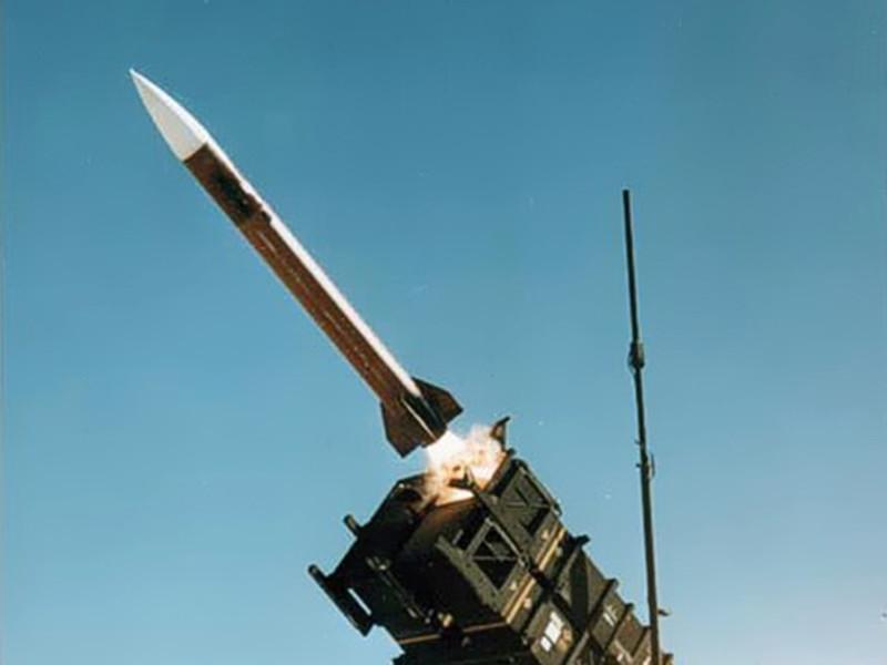 """Системы ПВО Саудовской Аравии перехватили и уничтожили баллистические ракеты, выпущенные сторонниками йеменского движения """"Ансар Аллах"""" (хуситы) в направлении королевства с территории города Сана"""