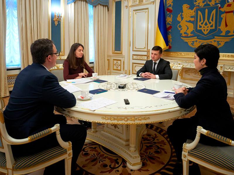 В Херсонской области Украины планируется построить городок для переселенцев из Крыма, среди которых - более 500 семей крымских татар, сообщил президент страны Владимир Зеленский