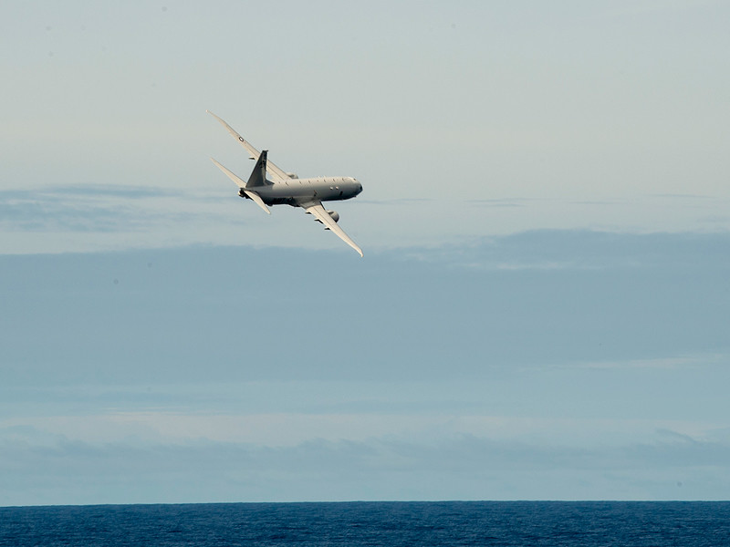 Китайский корабль направил невидимый лазер на американский самолет-разведчик