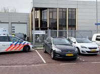 В офисе почтовой компании в Амстердаме произошел взрыв, пострадавших нет. Об этом сообщает в Twitter местная полиция