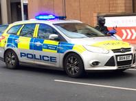 На юге Лондона неизвестный напал с ножом на прохожих. Его застрелили полицейские
