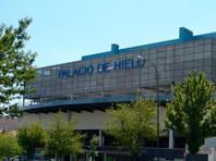 Превращенный в морг Ледовый дворец Мадрида уже переполнен телами погибших от коронавируса. Карантин в Испании продлен до 9 апреля