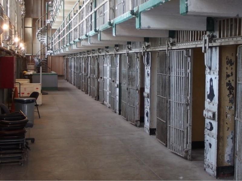 В США решили отпустить часть заключенных во избежание вспышки коронавируса в тюрьмах