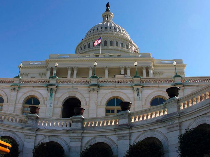 """Конгресс США одобрил выделение рекордных $2,2 трлн на помощь экономике"""" />"""