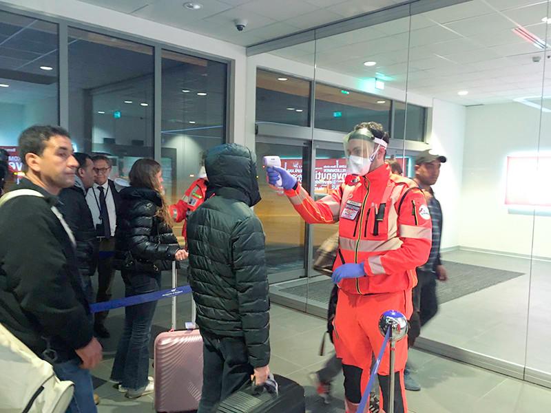 По данным ведомства, заболевший мужчина приехал из Италии, где произошла крупнейшая в Европе вспышка коронавируса