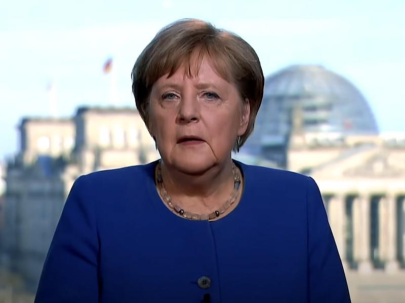 """Канцлер Германии Ангела Меркель ушла на карантин и """"удаленку"""" - врач, делавший ей прививку, заразился коронавирусом"""