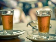 Минздрав Грузии напомнил гражданам об антисептических свойствах чачи и посоветовал избегать наличных