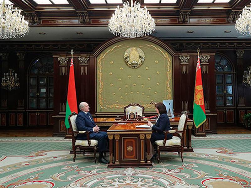 Президент Белоруссии Александр Лукашенко 31 марта провел рабочую встречу с председателем Национального собрания Белоруссии Натальей Кочановой