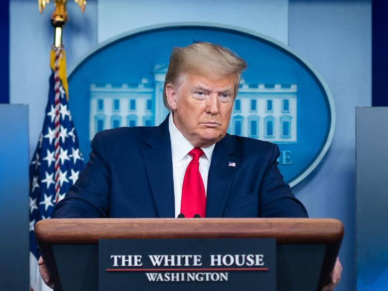 Трамп хочет приостановить иммиграцию в США из-за коронавируса