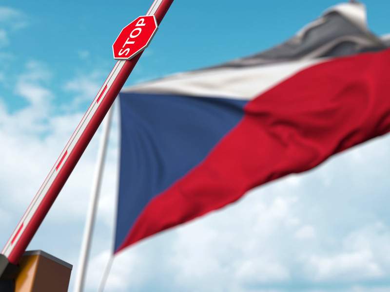 Чехия первой из европейских стран открыла границы после начала пандемии