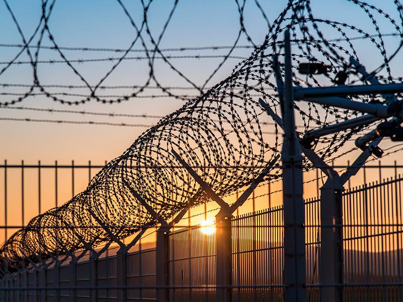 Арестованного в США летчика Ярошенко обследуют после жалоб на симптомы COVID-19 и смерти заболевшего сокамерника