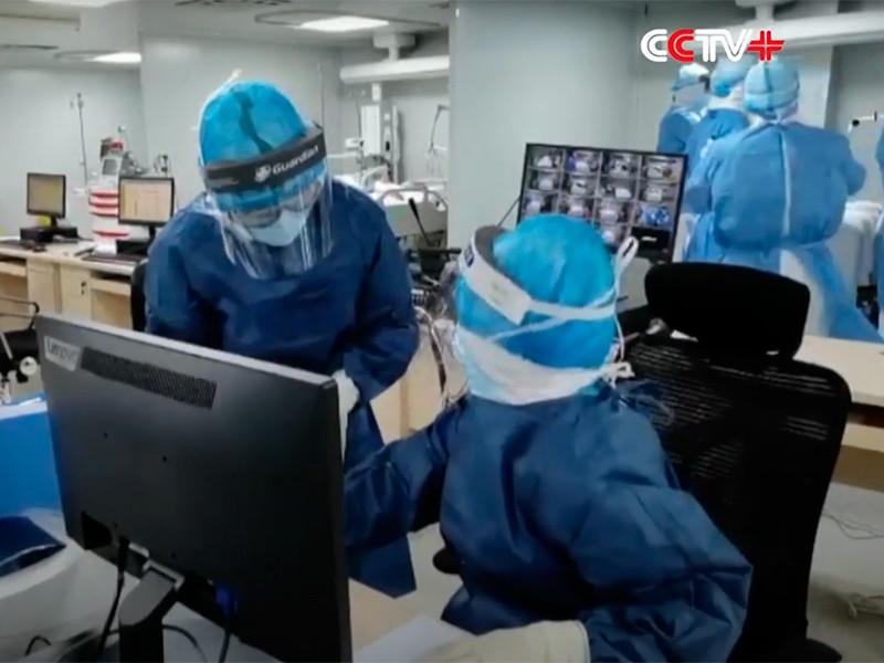 Первый заразившийся коронавирусной инфекцией работал в одной из лабораторий китайского Уханя, который изначально стал эпицентром заболевания. Об этом сообщает Fox News со ссылкой на несколько источников