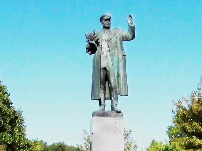 В столице Чехии, несмотря на недовольство Москвы, демонтирован памятник маршалу Ивану Коневу, под командованием которого советские войска, воюя с гитлеровцами, вошли в Прагу в 1945 году