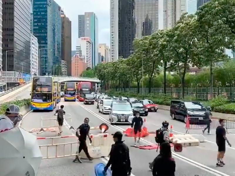 """США пригрозили Китаю санкциями из-за готовящегося """"захвата Гонконга"""""""" />"""