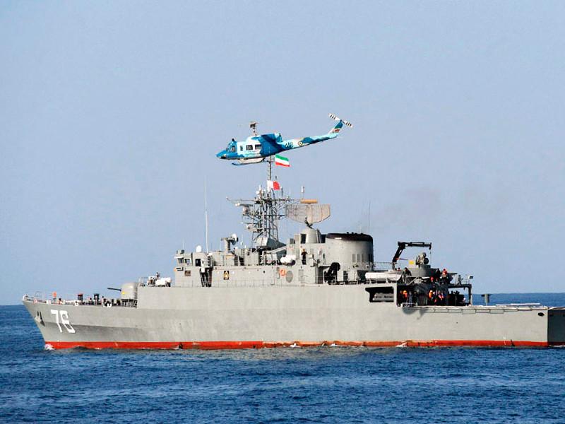 """Иранский фрегат Jamaran (бортовой номер """"76"""") затопил дружественный большой ракетный катер А 1403 Konarak во время учений"""