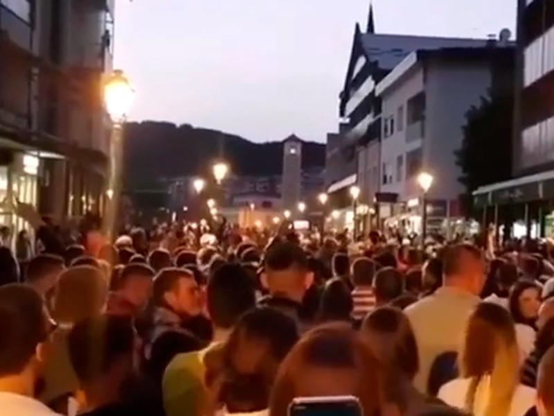 В Черногории задержание епископа за нарушение карантина привело к протестам. Полиция применила слезоточивый газ