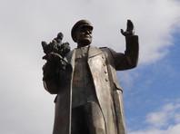Коларж считает, что демонтаж памятника вызвал неадекватную реакцию в РФ. В адрес муниципальных политиков раздаются различные угрозы, включая призывы к убийству