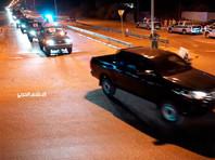 Кроме того, ранее днем ожесточенные стычки шли в других районах на подступах к главному городу страны, в том числе Айн-Заре, Эр-Рамле, Эль-Хадбе и на трассе, ведущей от разрушенного еще в 2014 году и нефункционирующего международного аэропорта Триполи
