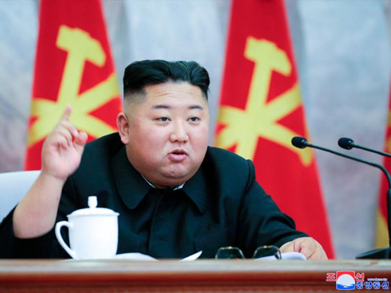 Ким Чен Ын появился на публике после трех недель отсутствия