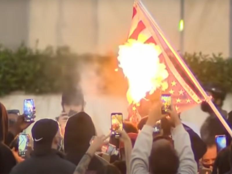 """Акции против произвола полиции """"Я не могу дышать"""" переросли в беспорядки в двух городах США (ФОТО, ВИДЕО)"""