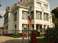 Андрей Викторович К. в 34 года руководит дипломатическим представительством одного из российских федеральных агентств в Чехии. Одновременно он является центральной фигурой истории, из-за которой главы Праги и двух пражских районов имеют полицейскую охрану