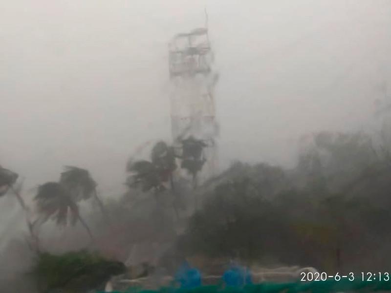 Стихия в индийском городе Алибаг