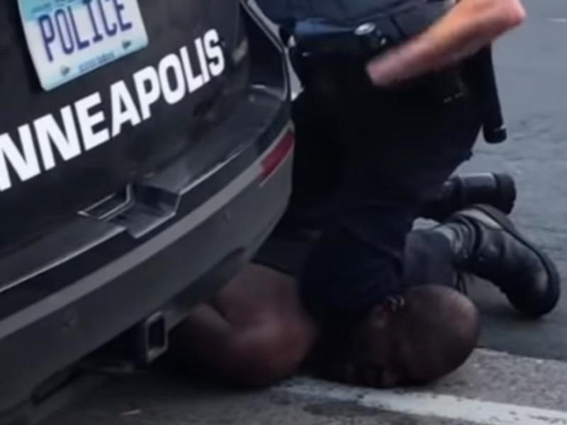 Полицейские присоединились к акциям против жестокости коллег в США, протесты добрались до Европы (ФОТО, ВИДЕО)