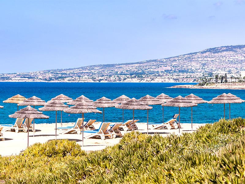 На Кипре отменили требование справки об отсутствии COVID-19 от иностранных туристов