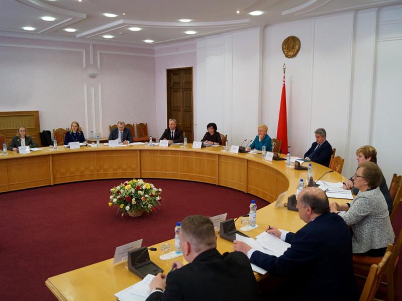 Белорусский ЦИК назвал задержанного Бабарико в числе семи оставшихся участников президентской гонки