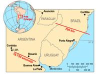 """Подтверждены две рекордные """"мегавспышки"""" молний в Бразилии и Аргентине. В Индии от молний за последние 36 часов погибли 137 человек"""