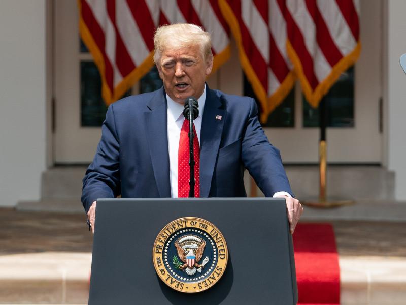 Президент США разрешил арестовывать и сажать на 10 лет участников акций по сносу памятников