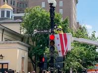 В Вашингтоне часть улицы вблизи Белого дома получила название Black Lives Matter Plaza (ФОТО, ВИДЕО)