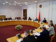 Семь человек, включая задержанного и обвиняемого в ряде финансовых преступлений экс-главу Белгазпромбанка Виктора Бабарико, продолжают участие в президентских выборах в Белоруссии после этапа сбора подписей
