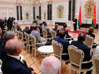 Президент Беларуси Александр Лукашенко провел церемонию вручения государственных наград, на которой заявил об общенациональной победе над коронавирусной инфекцией