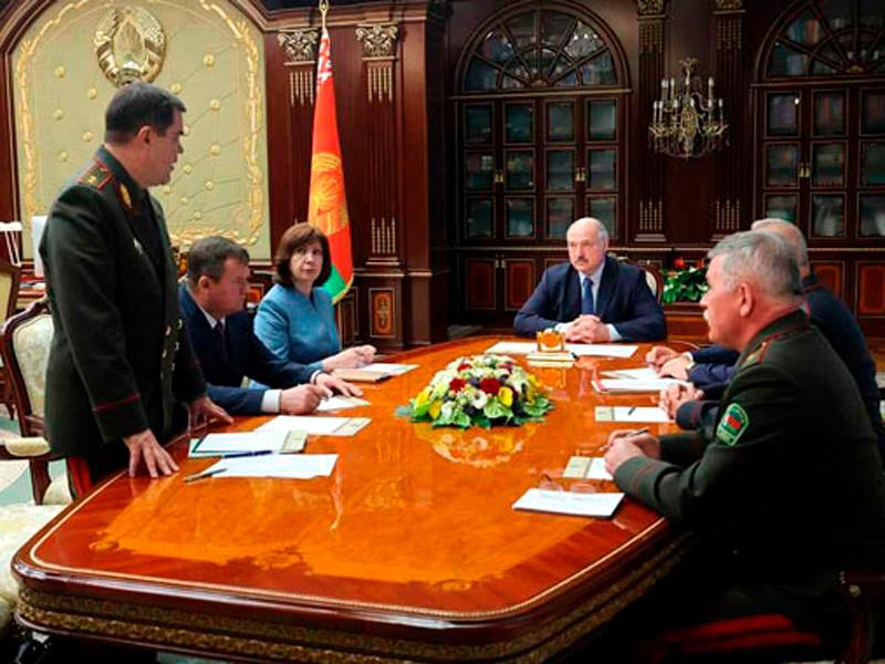 Президент Белоруссии Александр Лукашенко собрал на срочное совещание членов Совета безопасности республики