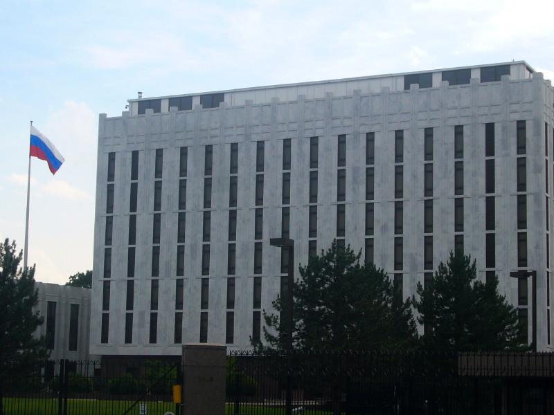 Посольство РФ в США направило в Госдепартамент ноту протеста, в которой требует провести тщательное расследование по факту нападения на журналистов Первого канала в Портленде, в штате Орегон
