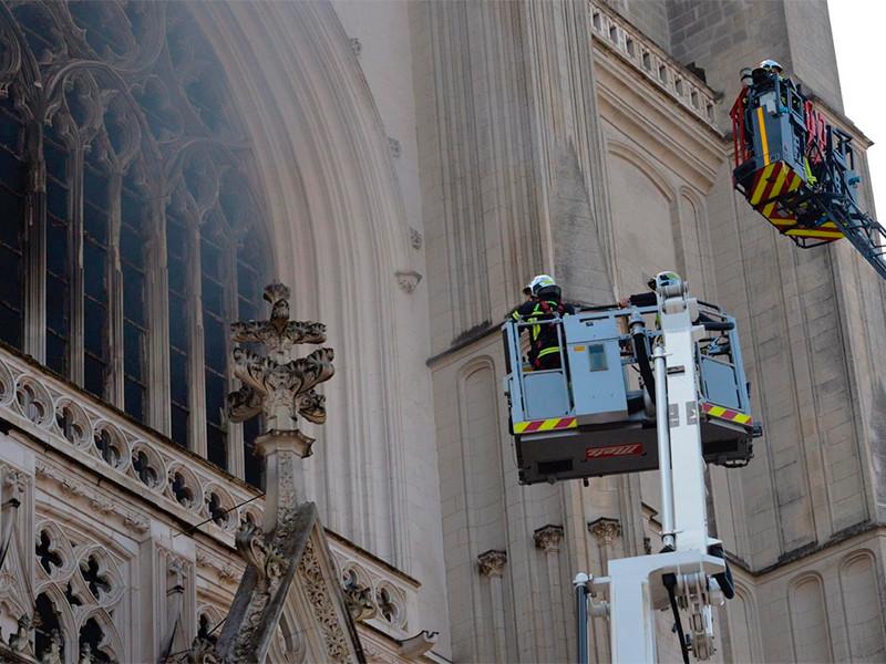 Утром 18 июля крупный пожар произошел в соборе святых Петра и Павла в Нанте